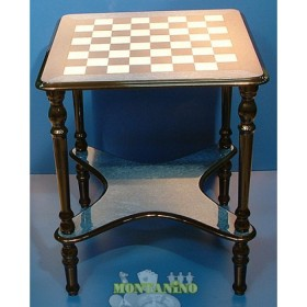 Tavolino scacchiera intarsiato. 18400