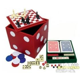 Dado multigioco. Contiene scacchi, dama, backgammon, fiches, carte e dadi.   16172