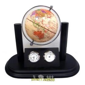 Globo con mappa color crema, base in legno e cornice in ottone.     22062