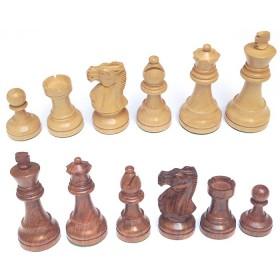 Scacchi in legno intagliati a mano. 18522