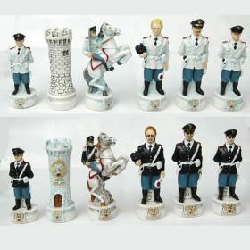 Scacchi dipinti a mano personaggie divise dellla Polizia Stradale     21195PS