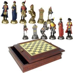 Scacchiera in ottone e legno, scacchi in metallo.18038_18026