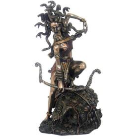Statua in resina bronzata raffigurante la Medusa. 24540